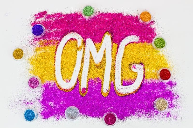 DIY Glitter Station Wedding Make Your own sparkle station glitter face makeup festival_-14