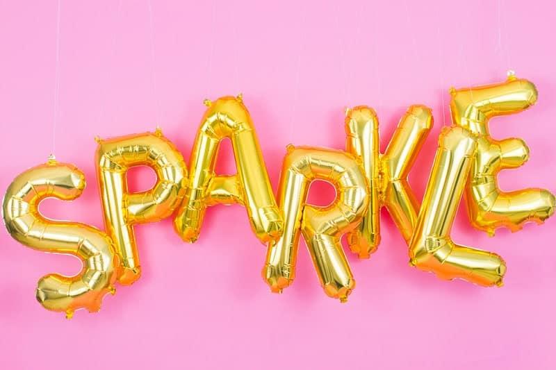 DIY Glitter Station Wedding Make Your own sparkle station glitter face makeup festival_-9