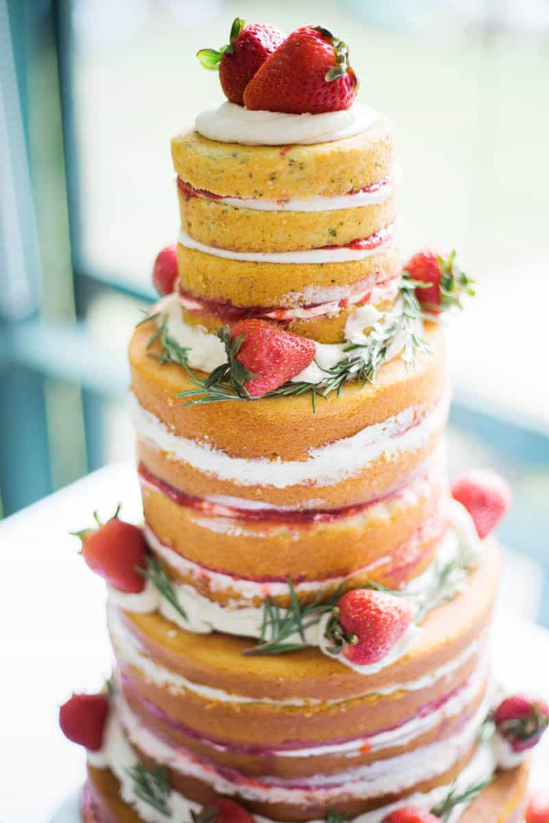 QUINTESSENTIALLY BRITISH & INTIMATE LAKESIDE WEDDING IN MAINE (18)