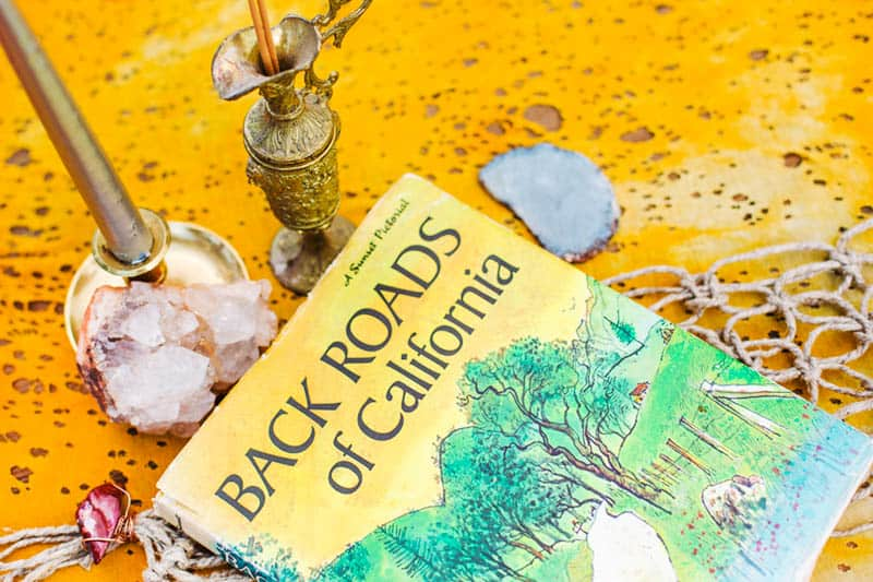ROCK N ROLL DESERT INSPIRED BRIDAL SHOOT AT JOSHUA TREE (4)