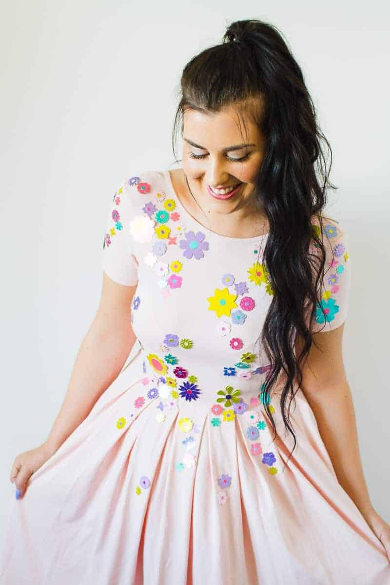 diy-embellished-dress-make-your-own-wedding-bridesmaid-dress-cricut-brooch-jewels-floral-flower-summer-fashioin-tutorial-4