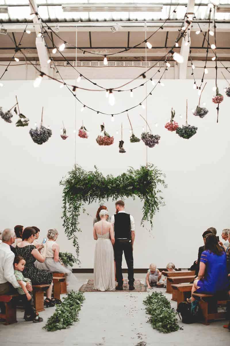 edgy-minimalistic-wedding-in-a-birmingham-art-gallery-14