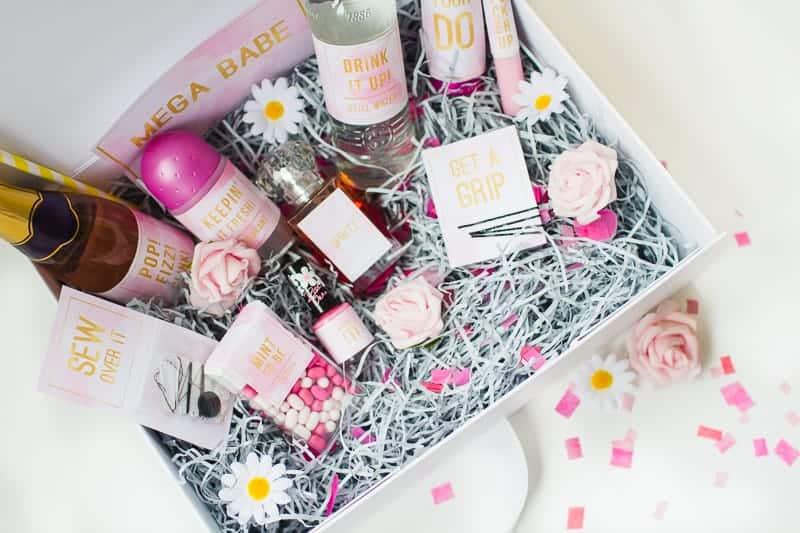 Emergency Bride Kit Wedding day kit DIY make your own box bag essentials labels_-7