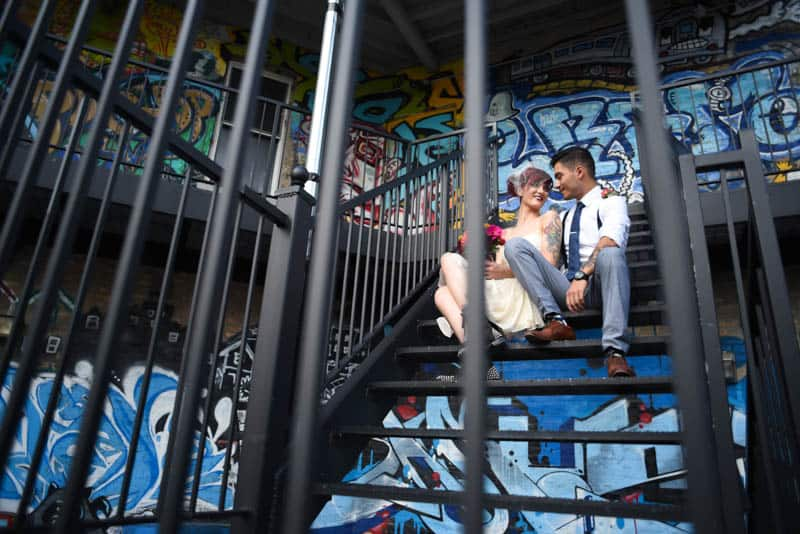 rock-roll-elopement-with-chicagos-colorful-wall-murals-18