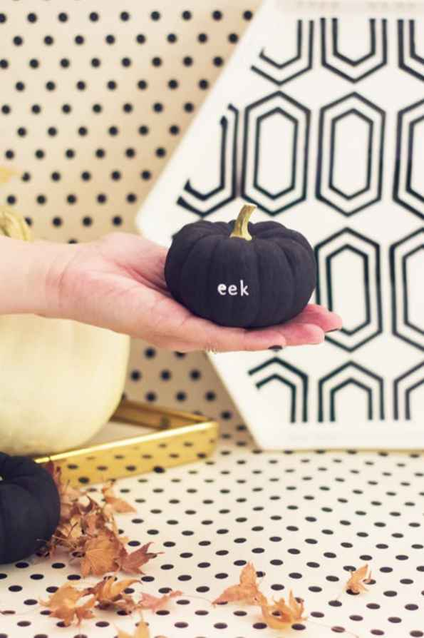 tiny-slogan-quote-message-pumpkins-diy-for-halloween-fall-weddings-2