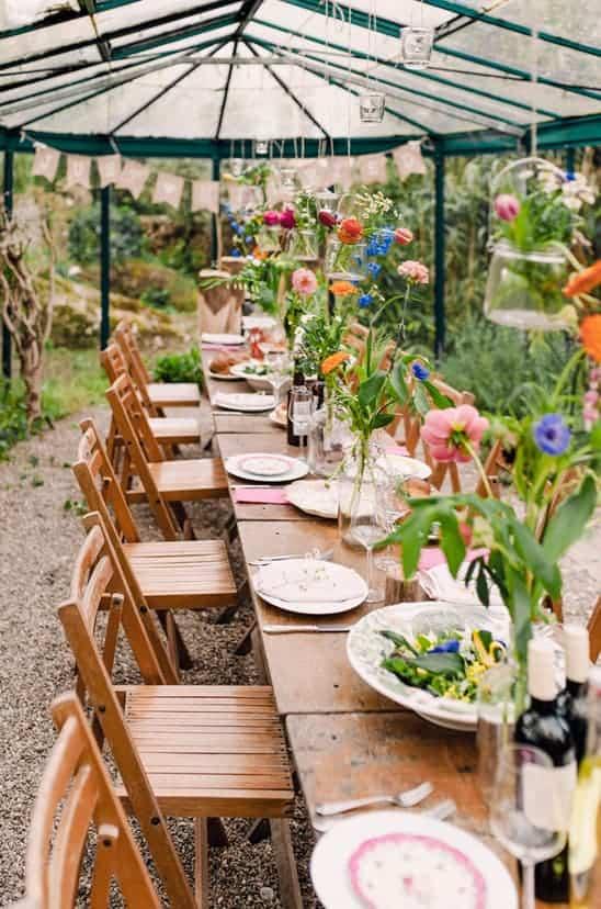 colorful-greenhouse-wedding-via-weddingchicks