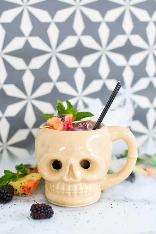 creepy-cocktails-shrunken-skull-halloween-1