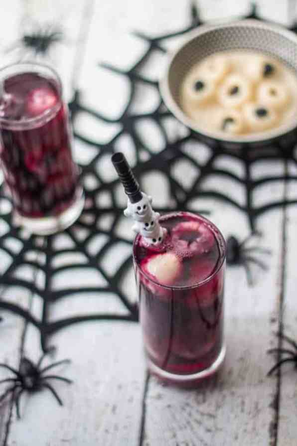 eye-ball-punch-spooky-halloween-cocktail-recipe