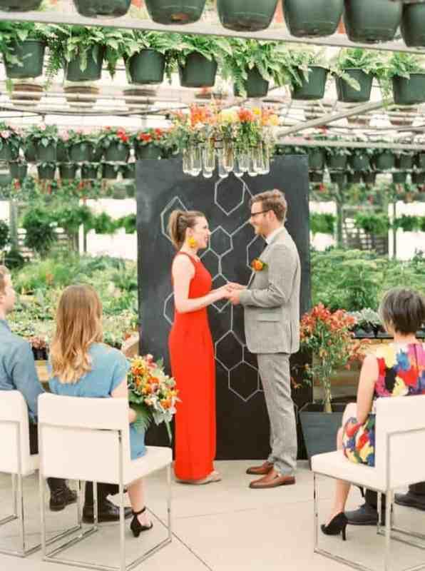 greenhouse-organic-wedding-shoot