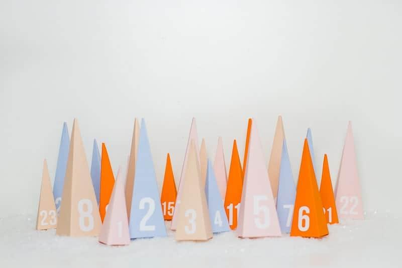 diy-advent-calendar-christmas-tree-pyramid-modern-colourful-handmade-cricut-card-sweets-candy-chocolate-32