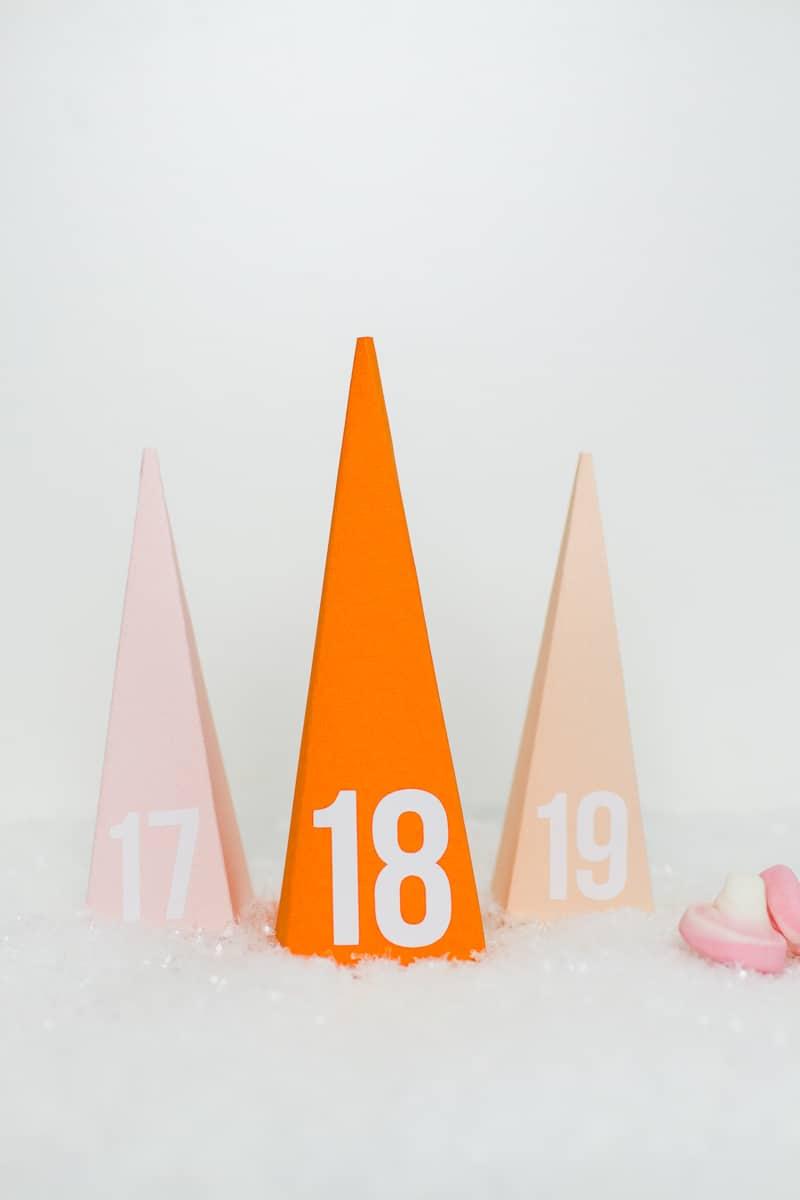 diy-advent-calendar-christmas-tree-pyramid-modern-colourful-handmade-cricut-card-sweets-candy-chocolate-38