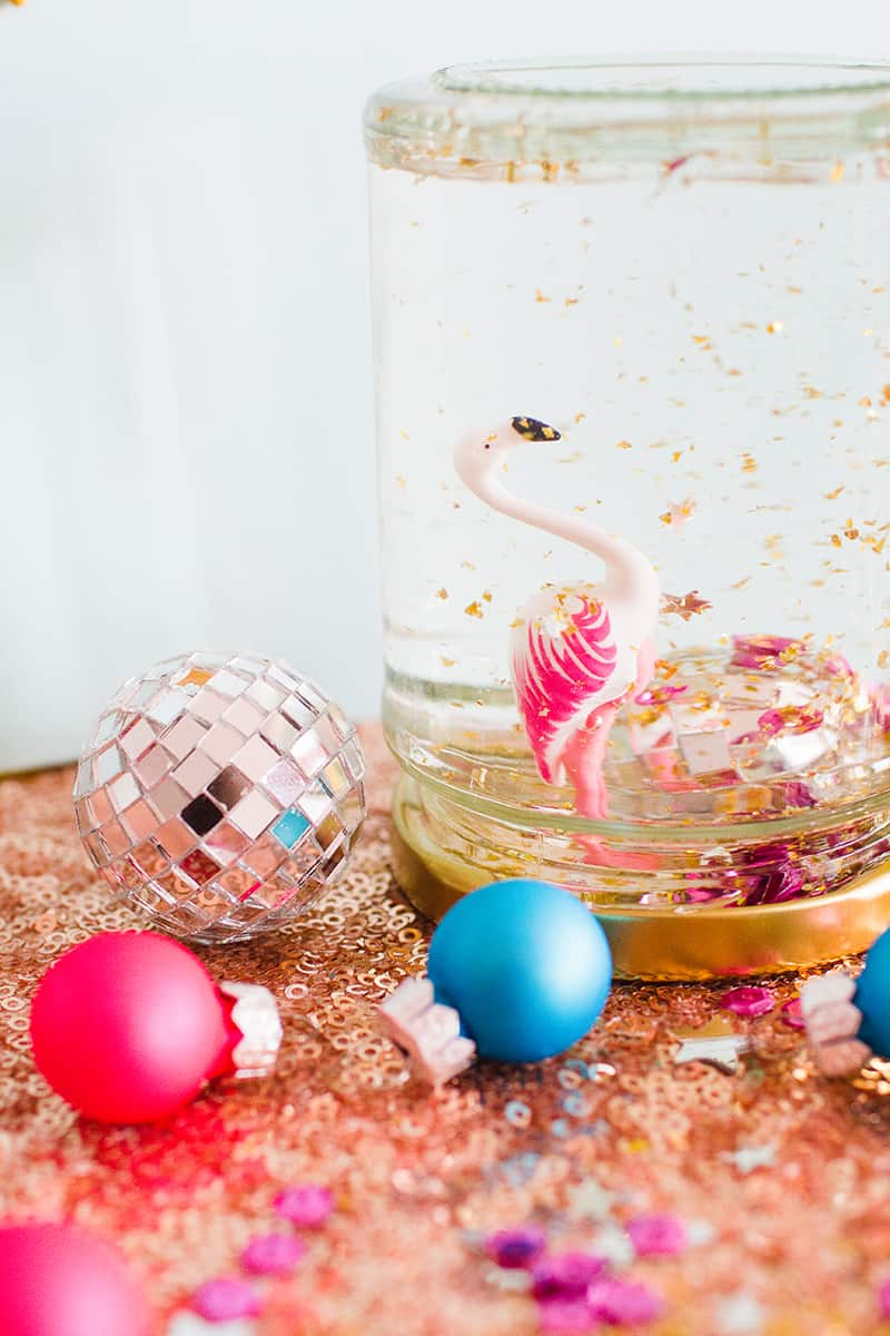 diy-flamingo-snow-globes-4