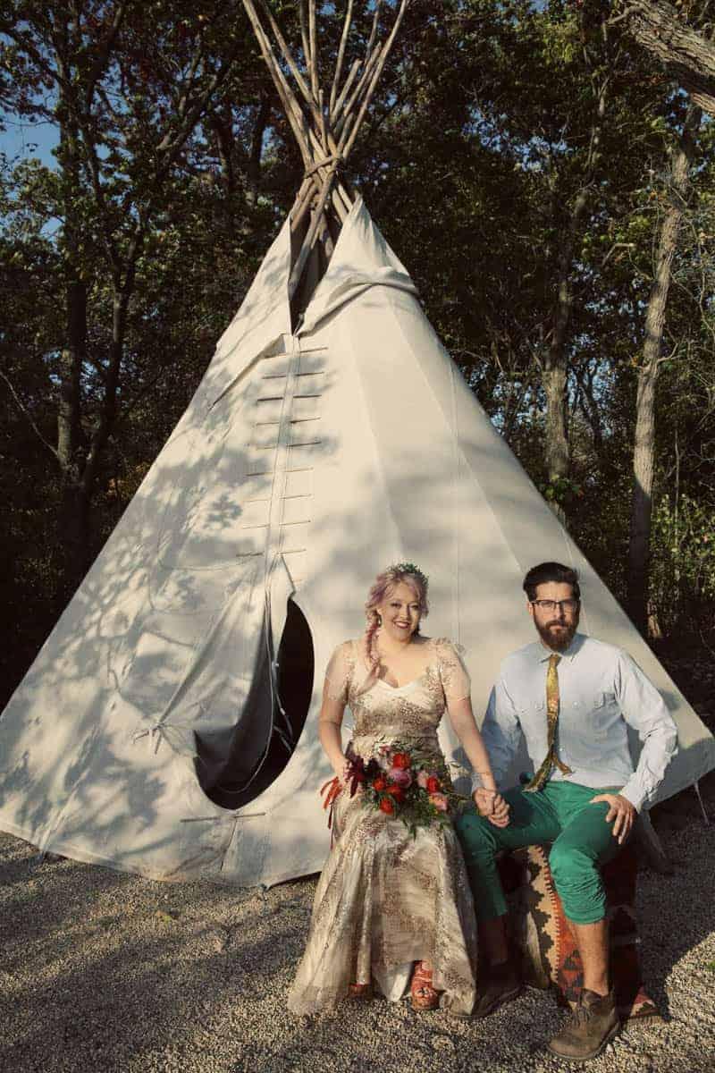 indie-camp-wedding-style-ideas-18