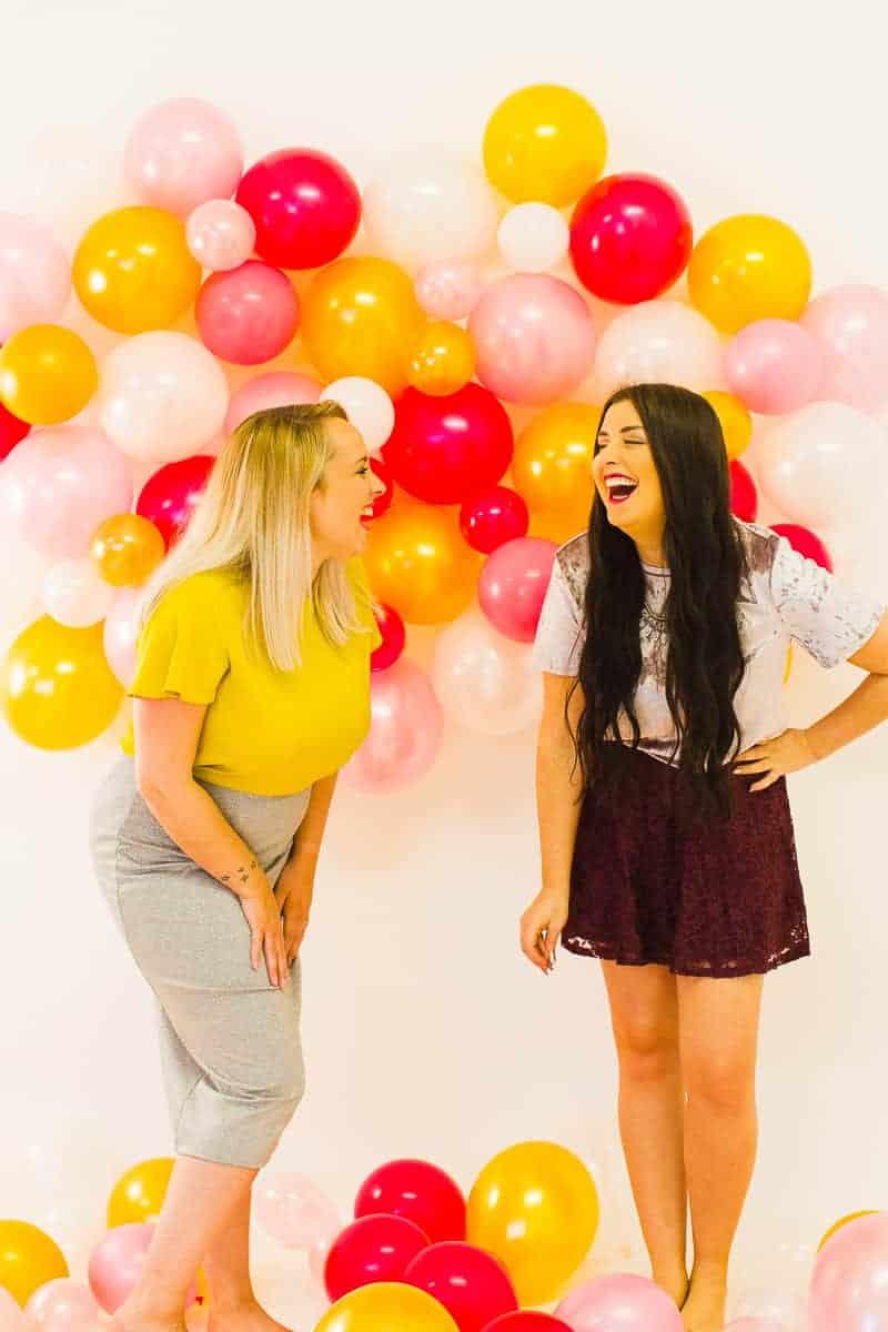 diy-balloon-backdrop-new-years-eve-photo-booth-colourful-fun-decor-ideas-tutorial-13