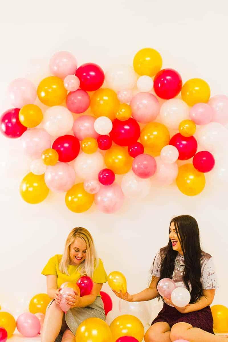 diy-balloon-backdrop-new-years-eve-photo-booth-colourful-fun-decor-ideas-tutorial-22
