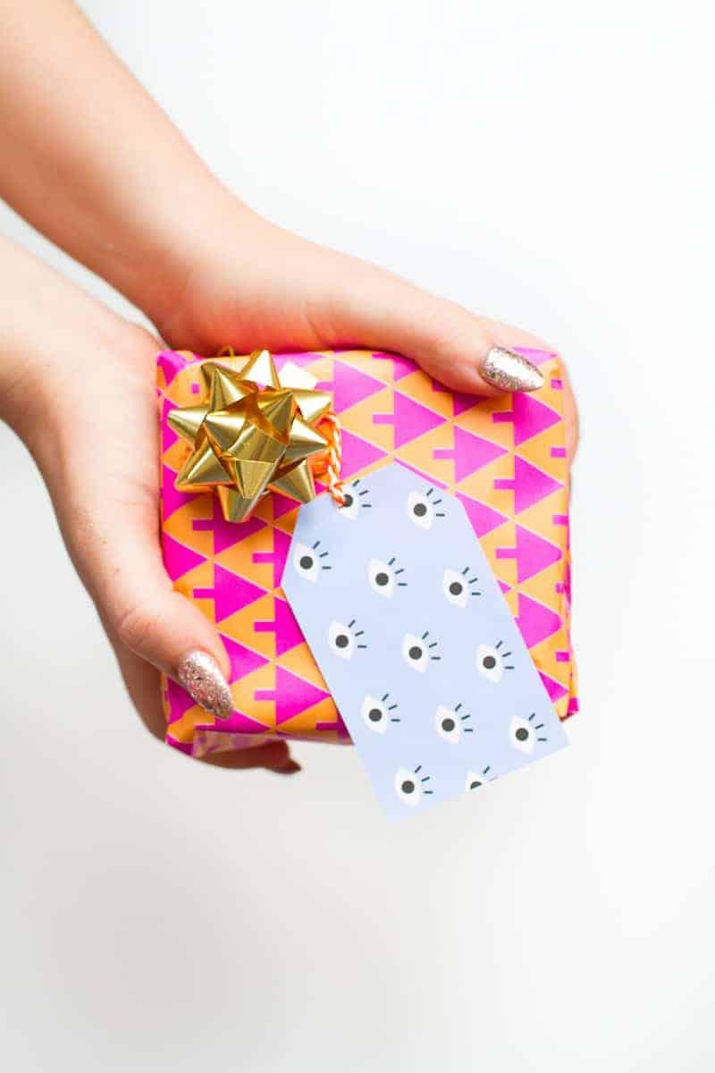 free-printable-eye-gift-tags-print-christmas-gift-wrap-colourful-fun-download-11