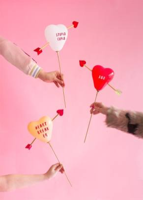 60-VALENTINES-DAY-GIFT-DIY'S-FOR-YOUR-GAL-PALS-CUPIDS-HEART-BALLOONS