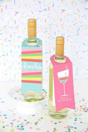 60-VALENTINES-DAY-GIFT-DIY'S-FOR-YOUR-GAL-PALS-PRINTABLE-WINE-TAGES