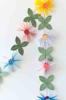best-paper-flower-tutorials-for-your-wedding-paper-flower-garland-the-house-that-lars-built