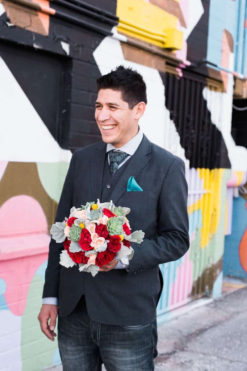COLORFUL LAS VEGAS ELOPEMENT WITH LUNCH AT IN-N-OUT BURGER (1)