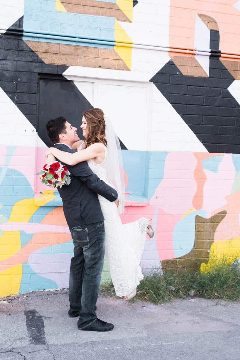 COLORFUL LAS VEGAS ELOPEMENT WITH LUNCH AT IN-N-OUT BURGER (19)