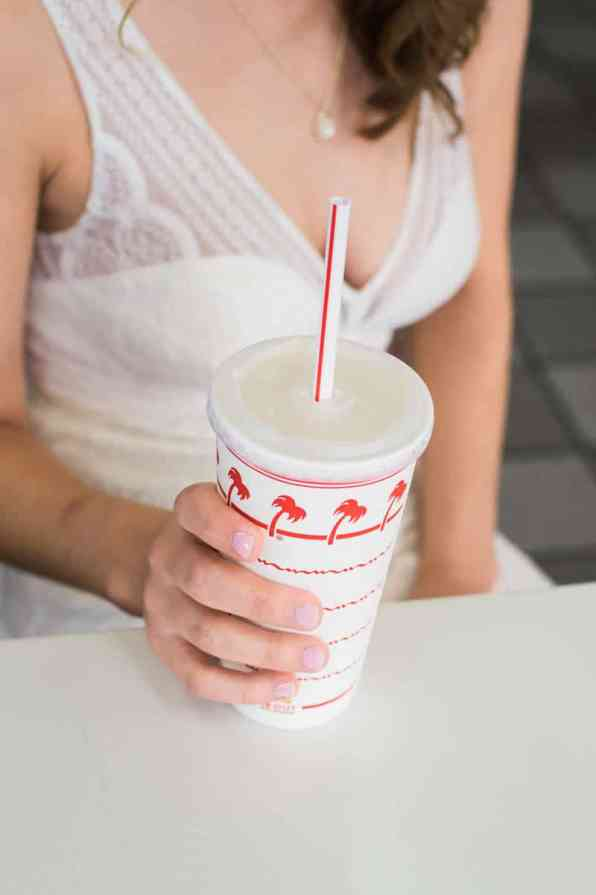 COLORFUL LAS VEGAS ELOPEMENT WITH LUNCH AT IN-N-OUT BURGER (2)