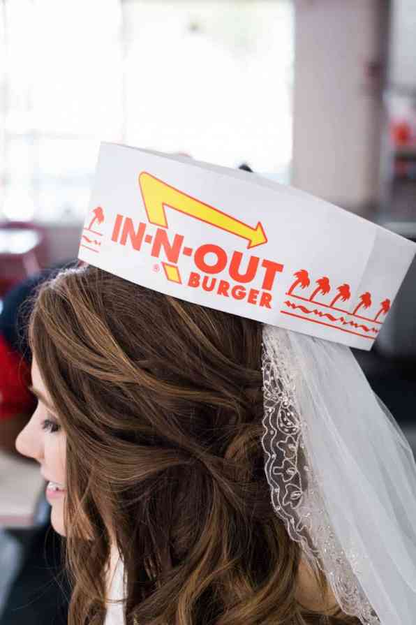 COLORFUL LAS VEGAS ELOPEMENT WITH LUNCH AT IN-N-OUT BURGER (3)