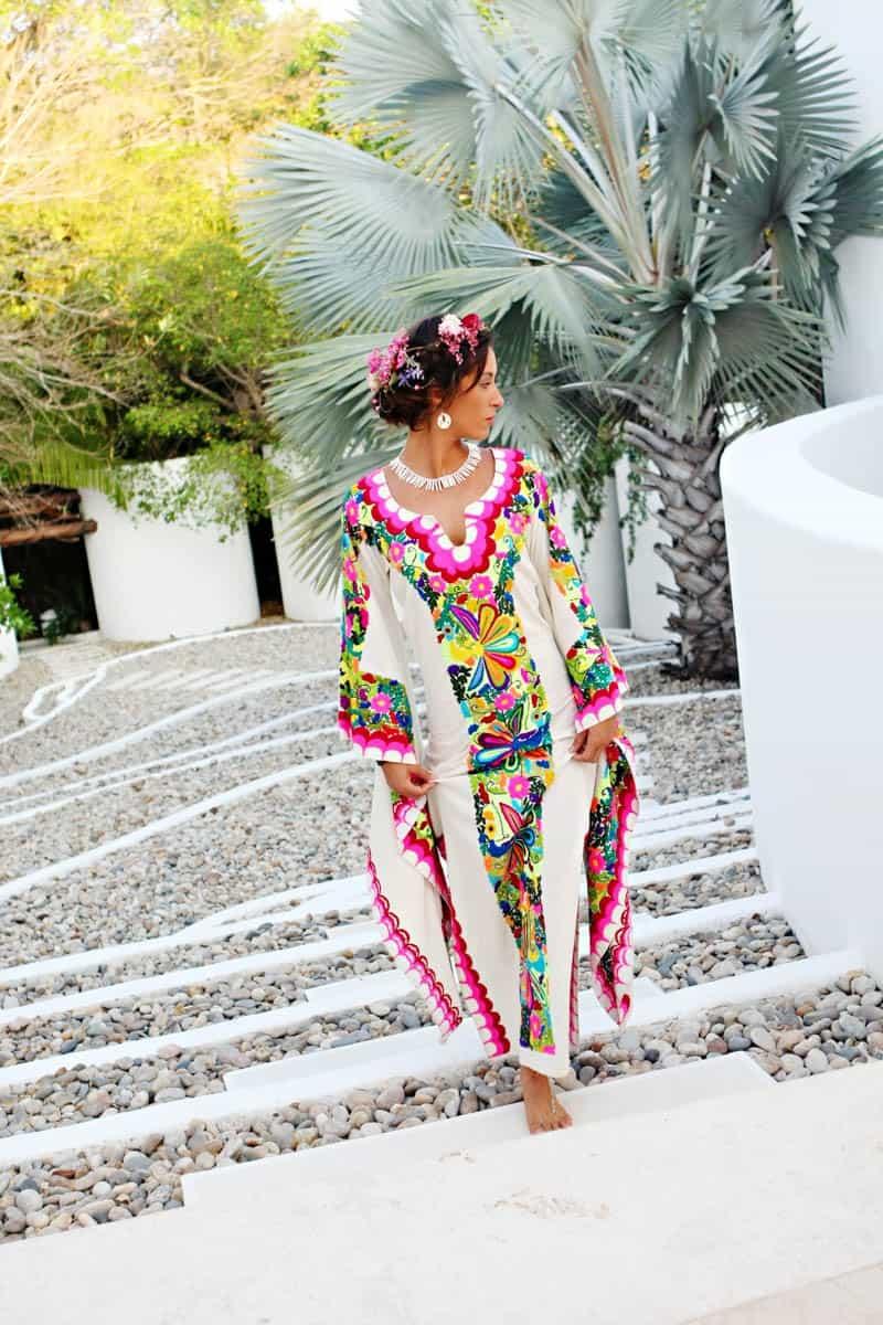 MYSTICAL VIBRANT WEDDING IDEAS IN SAYLUTIA MEXICO (19)