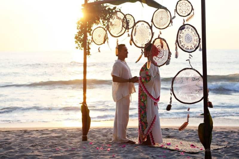 MYSTICAL VIBRANT WEDDING IDEAS IN SAYLUTIA MEXICO (23)