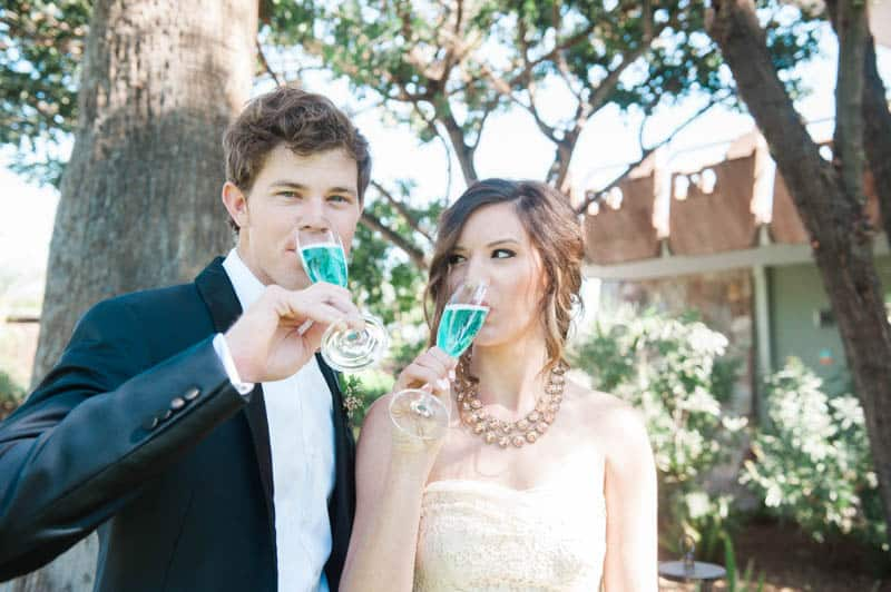 INSPIRED WEDDING IDEAS FOR A RETRO POOLSIDE ELOPEMENT (13)