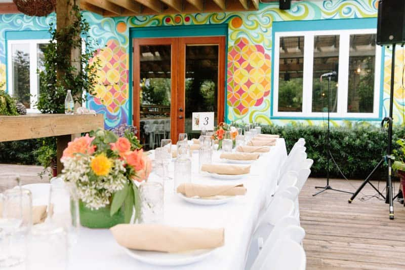 INTIMATE WEDDING IN THE COLORFUL CHARLESTON POUR HOUSE TAVERN (14)
