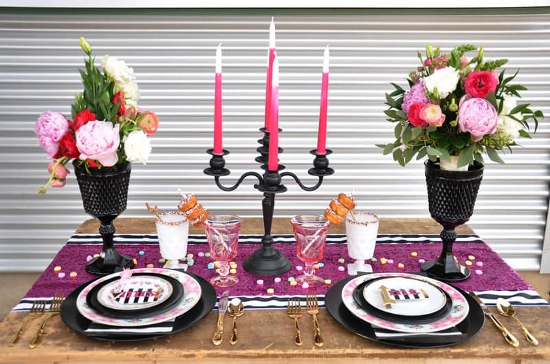 PINK, BLACK & WHITE VALENTINES DAY WEDDING IDEAS IN MUNCH FOOD PARK (5)
