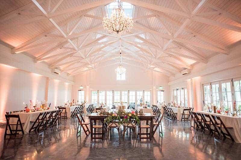STYLISH FLORAL & FOLIAGE MERRIMON WYNNE HOUSE WEDDING (20)