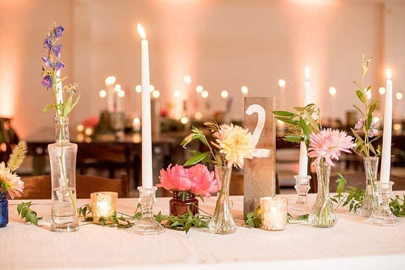 STYLISH FLORAL & FOLIAGE MERRIMON WYNNE HOUSE WEDDING (22)