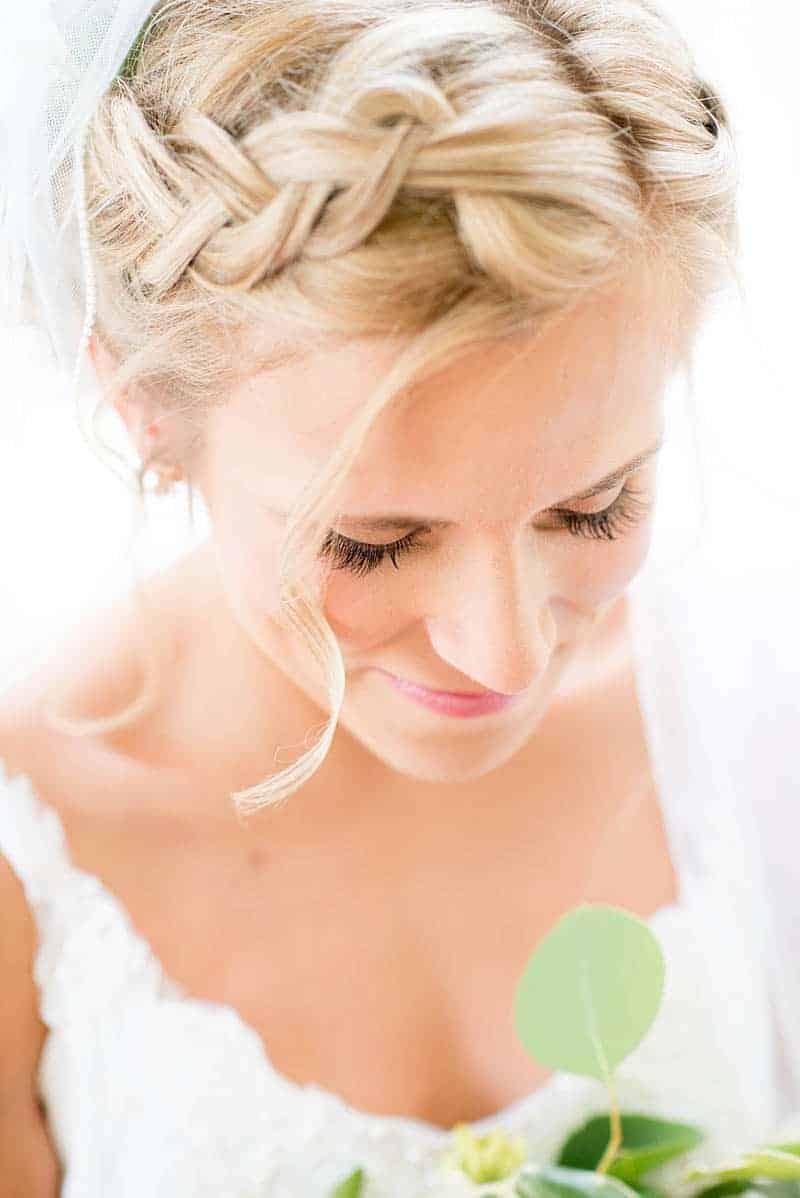 STYLISH FLORAL & FOLIAGE MERRIMON WYNNE HOUSE WEDDING (6)