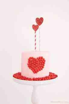 valentines-cakes-day-recipe-herat-candy-sixlets-easy1