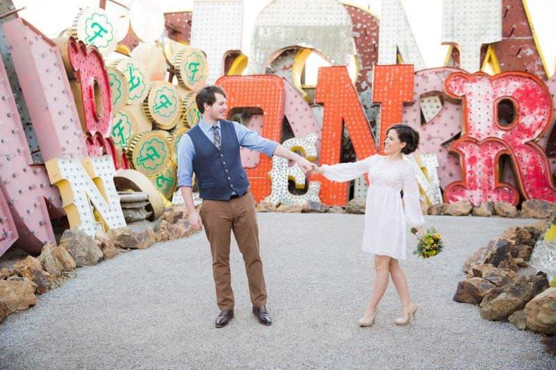 INTIMATE-DESERT-WEDDING-AT-RED-ROCK-CANYON-LAS-VEGAS (17)