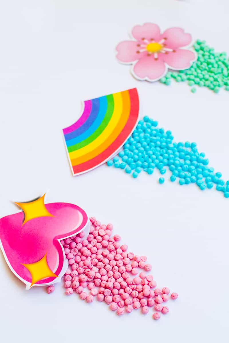 Emoji Favour Bags Pouches Candy Confetti Sweets Fun Unique Favour Ideas Printable Free Download-8