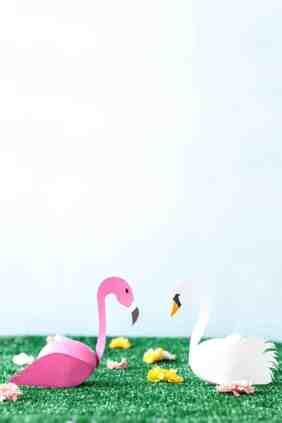 Swan-and-Flamingo-Easter-Eggs-DIY- STUDIO DIY