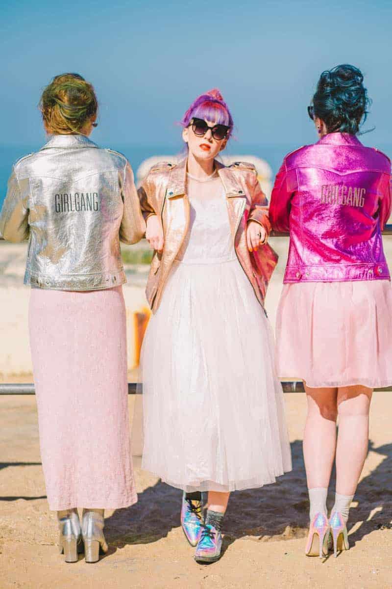 ALTERNATIVE UNIQUE ROCK N ROLL WEDDING DRESSES FOR BAD ASS BRIDES (13)