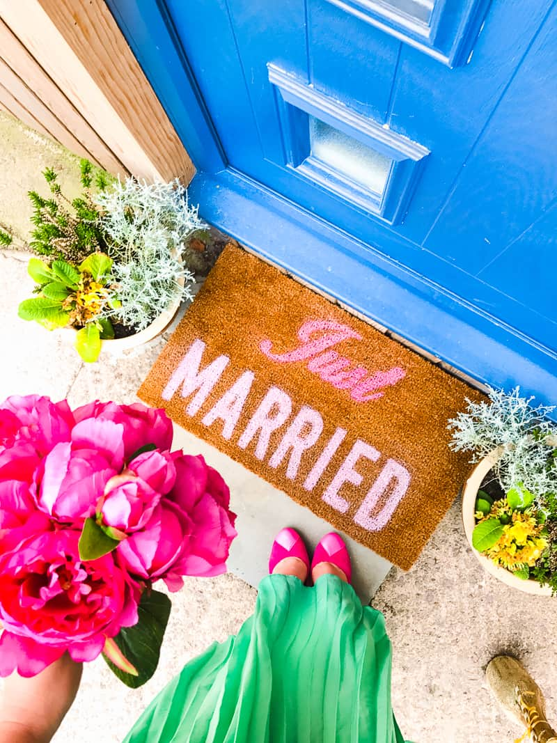 DIY Just Married Door Mat Spray Paint Rustoleum Cricut Newlywed Project Tutorial-7