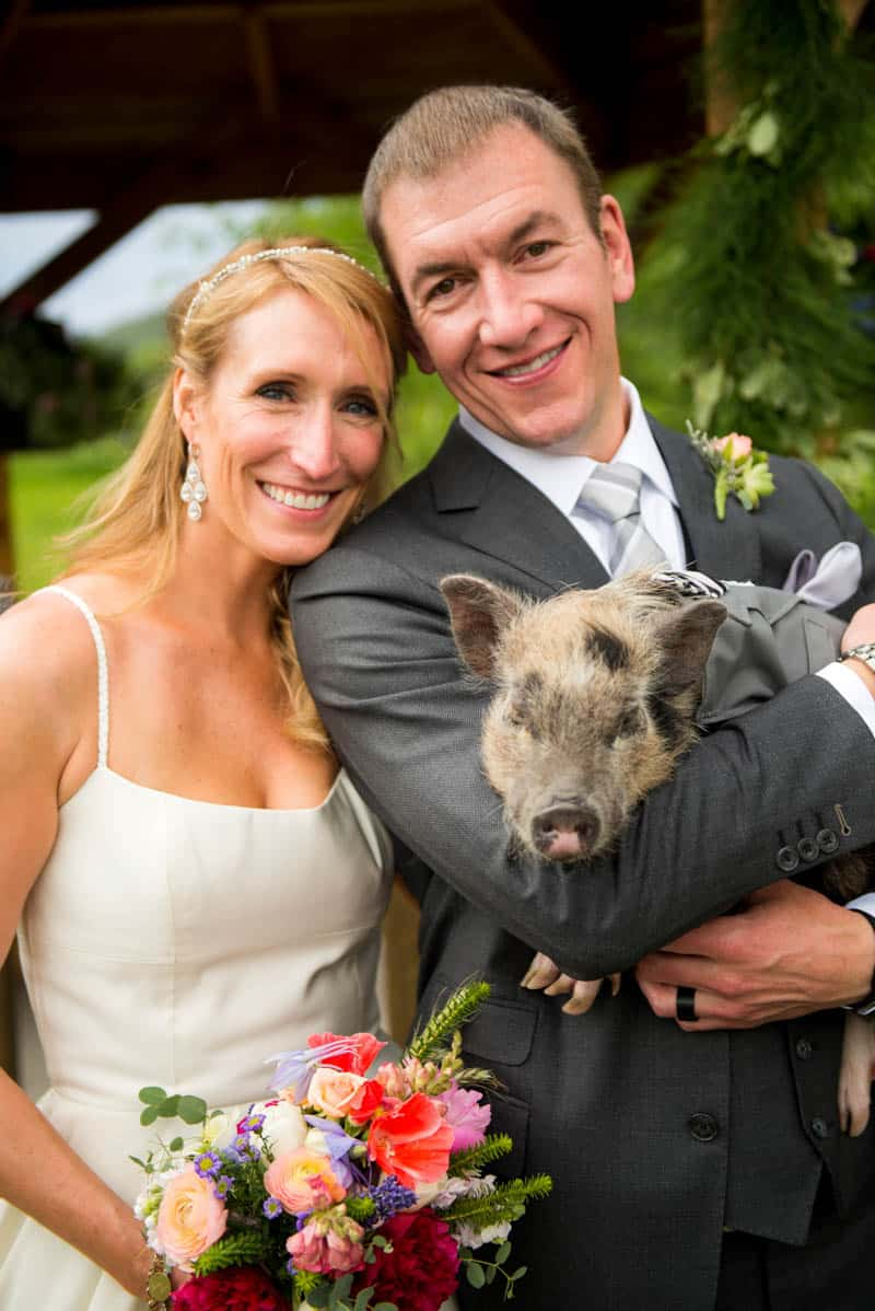 FUNKY COLORADO THEMED WEDDING WITH A PET PIG (8)
