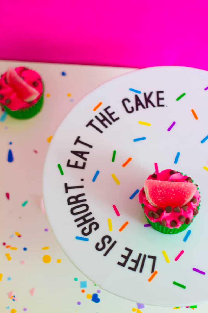 DIY COLOURFUL SPRINKLE PUN CAKE STAND