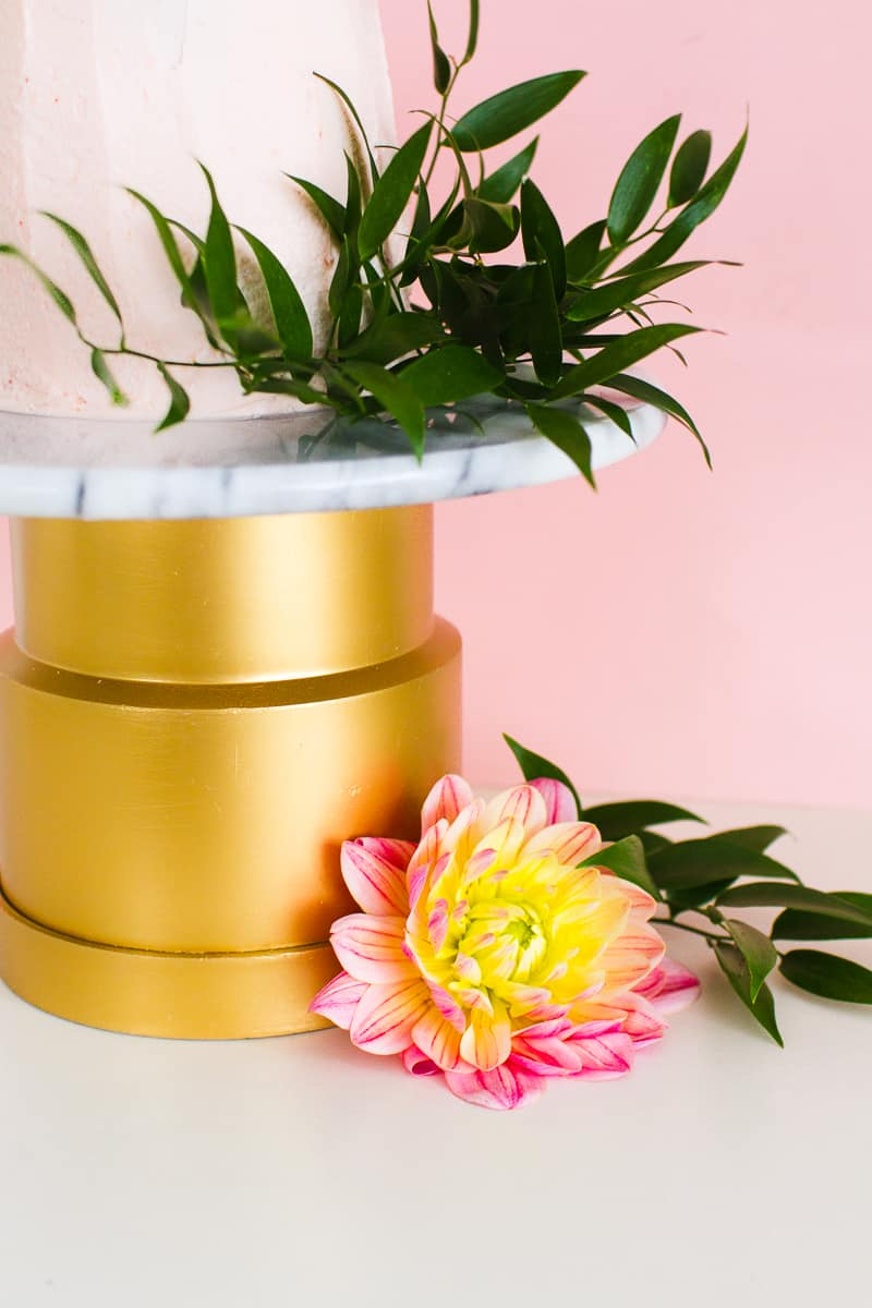 MAKE THIS EASY BUDGET DIY MARBLE CAKE STAND   Bespoke-Bride: Wedding ...