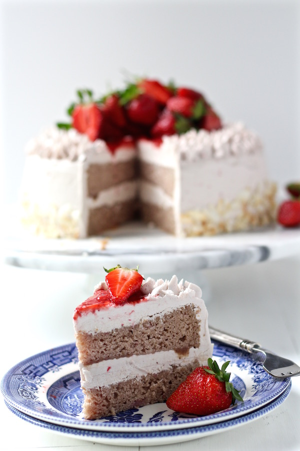 strawberry cake sliced 2