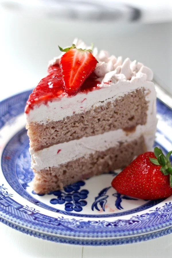 strawberry cake sliced 3