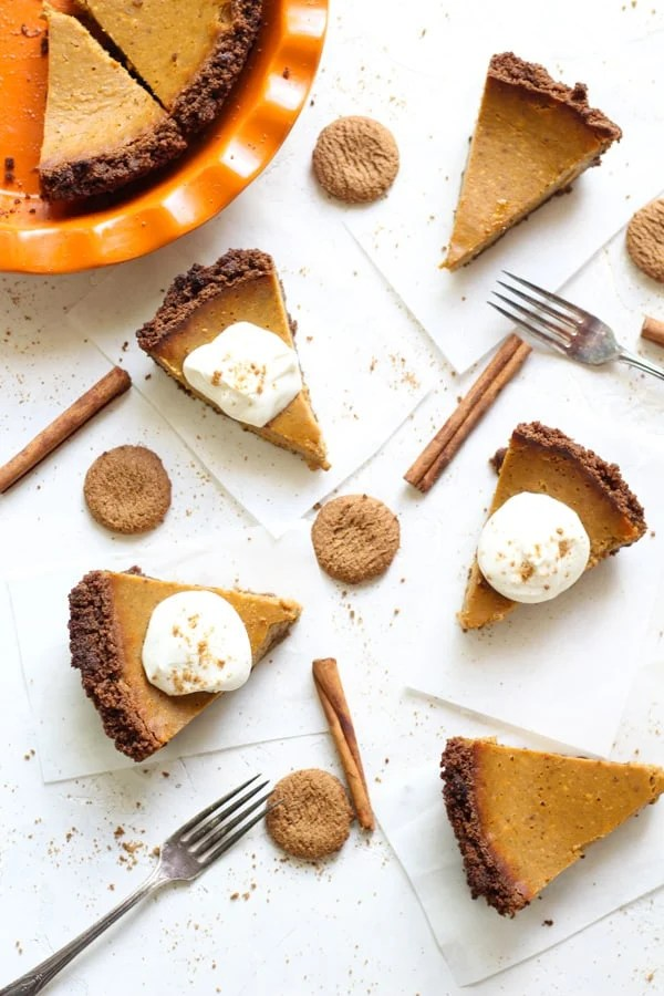 How to make a cream cheese pumpkin pie with gingersnap crust. So creamy and fluffy!