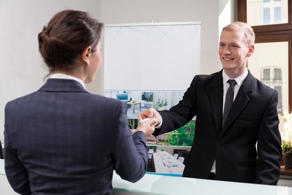receptionist resume objective