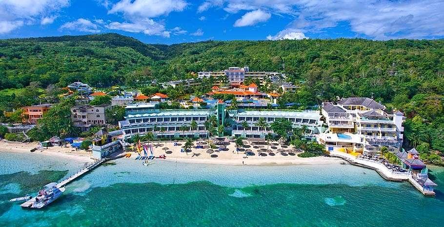 Turks amp Caicos Villas and Vacation Rentals  Island