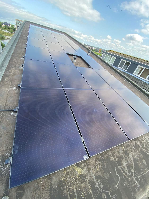 Zonnepanelen op bitumen dak
